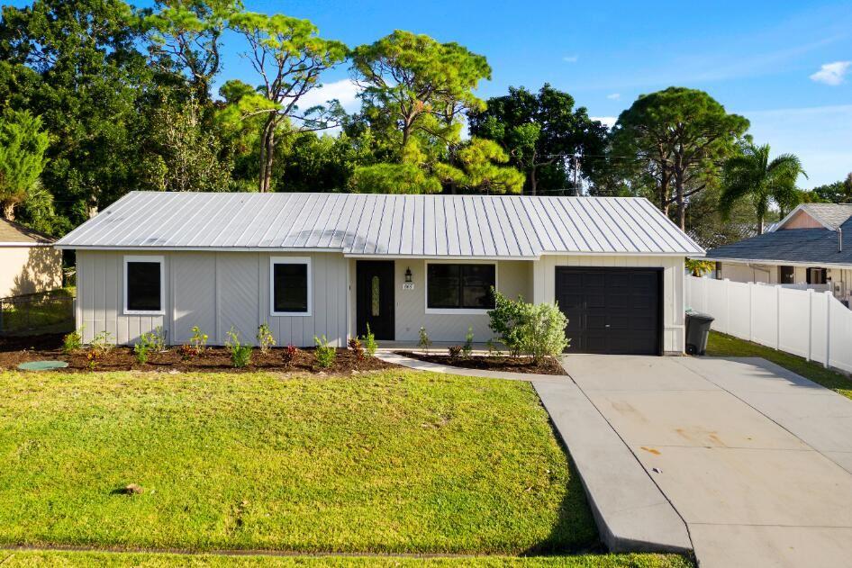 865 SE Streamlet Avenue, Port Saint Lucie, FL 34983 - MLS#: RX-10753730