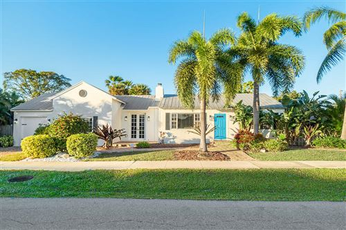 Photo of 405 SW 1st Avenue, Boynton Beach, FL 33435 (MLS # RX-10595731)
