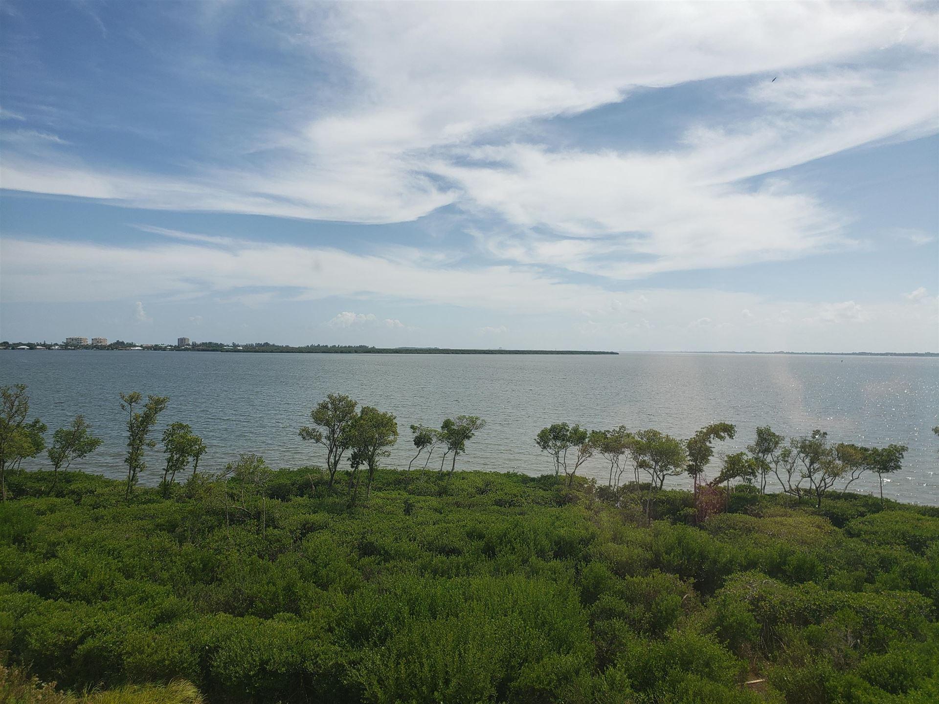 24 Harbour Isle Drive W #Ph02, Fort Pierce, FL 34949 - #: RX-10661732