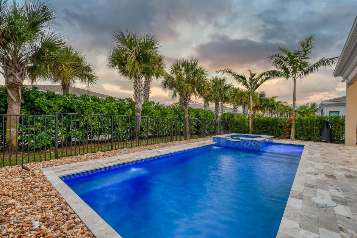 5651 Delacroix Terrace, Palm Beach Gardens, FL 33418 - #: RX-10681735
