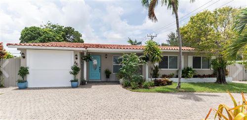Photo of 841 SW 9th Avenue E, Boca Raton, FL 33486 (MLS # RX-10642736)