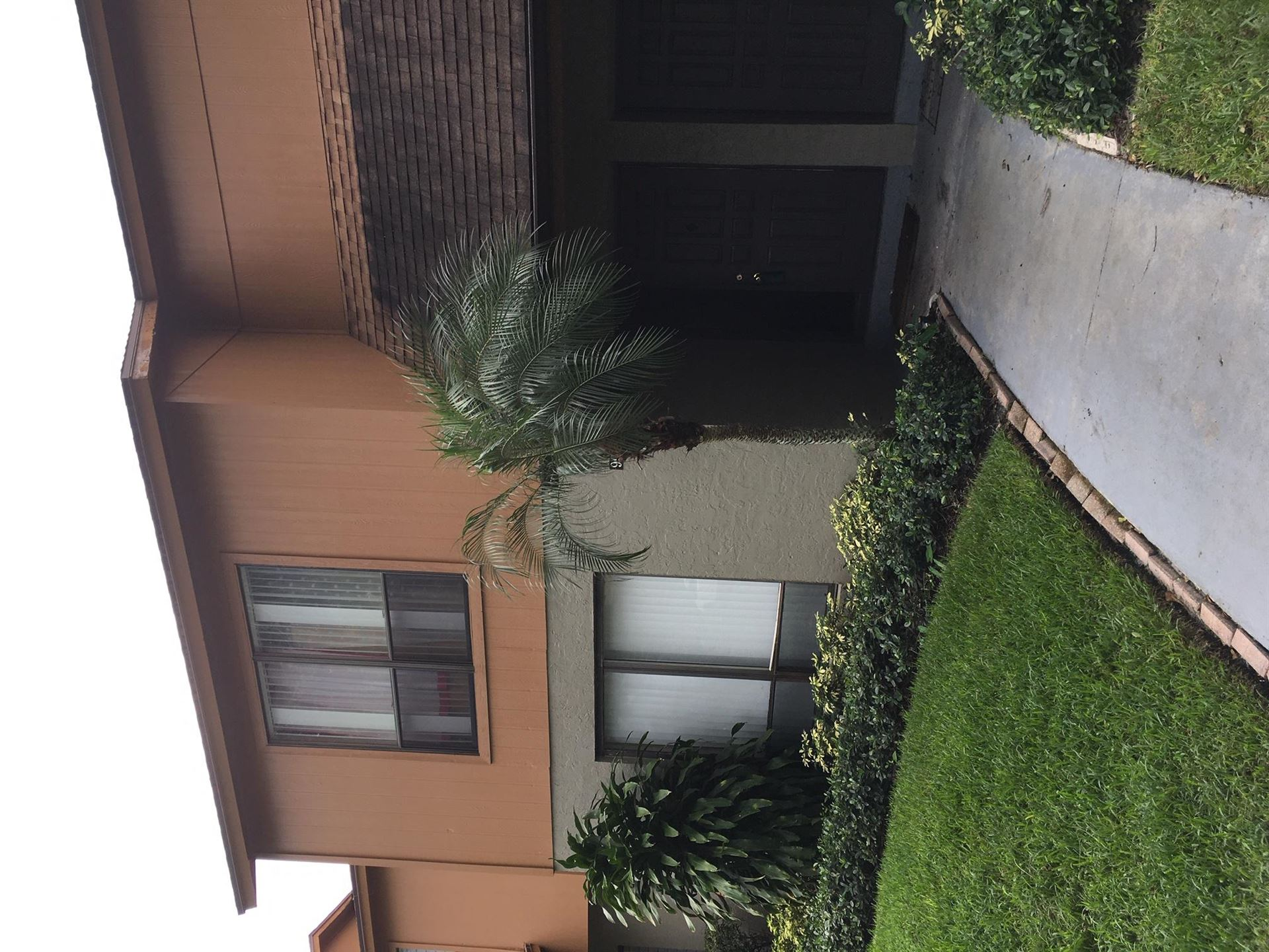 Photo of 904 Sandtree Drive, Palm Beach Gardens, FL 33403 (MLS # RX-10709737)