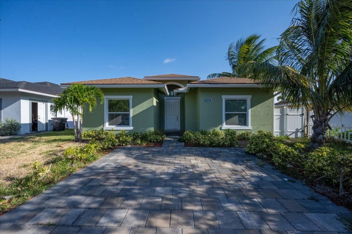 1020 Francis Street, West Palm Beach, FL 33405 - #: RX-10724741