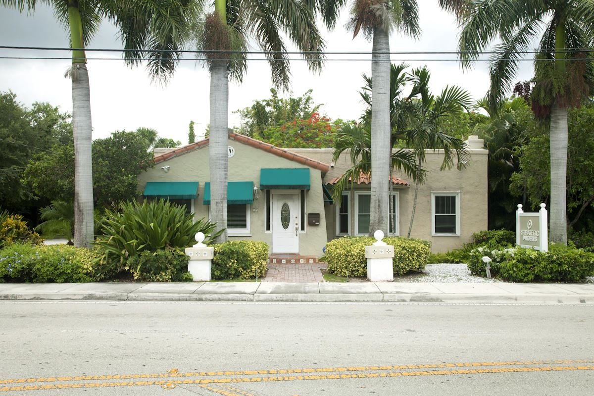 Photo of 15 NE 4th Street, Delray Beach, FL 33444 (MLS # RX-10725741)