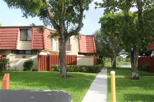 Foto de inmueble con direccion 3915 Victoria Drive #3915 West Palm Beach FL 33406 con MLS RX-10649742