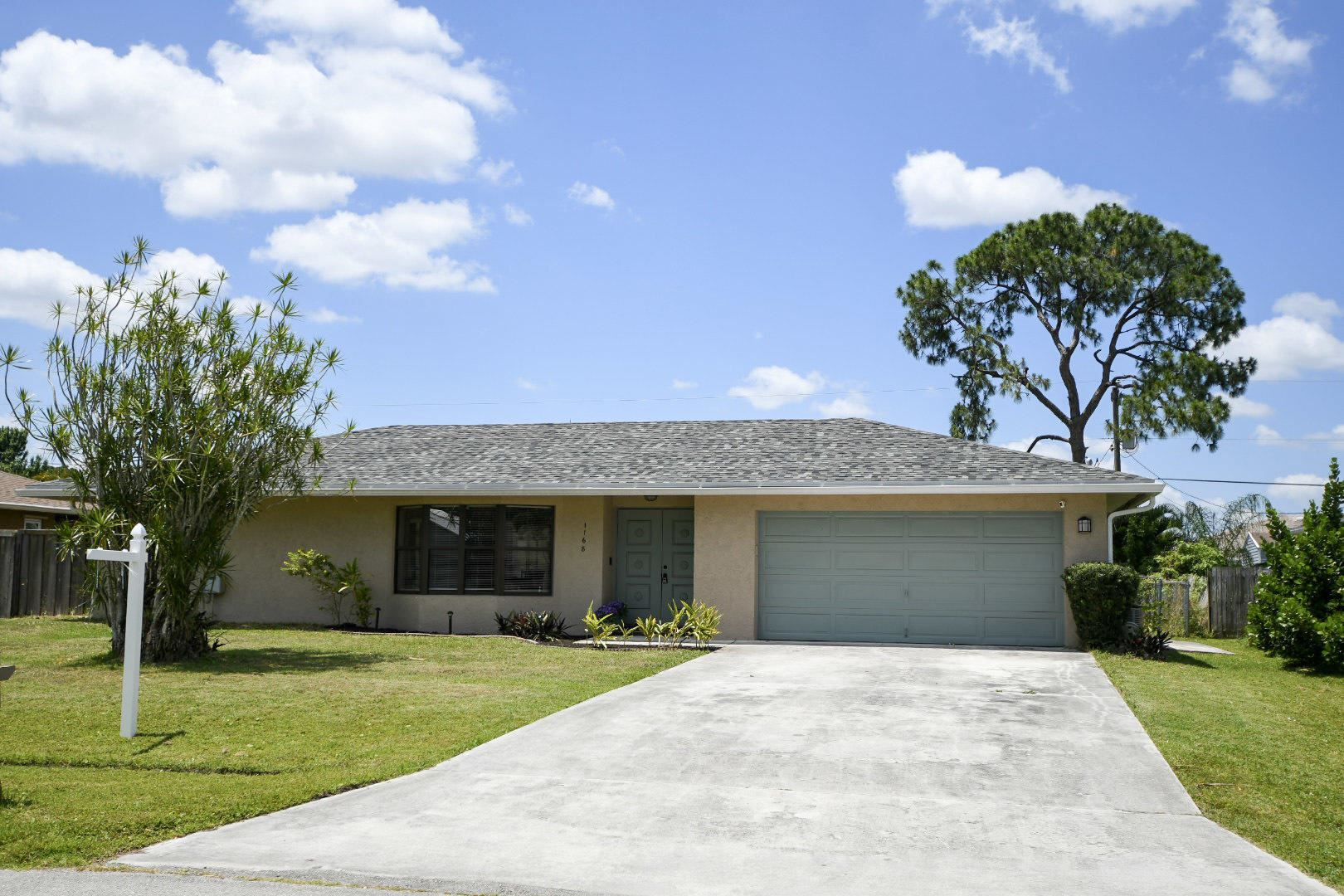1168 SE Clifton Lane, Port Saint Lucie, FL 34983 - #: RX-10712744