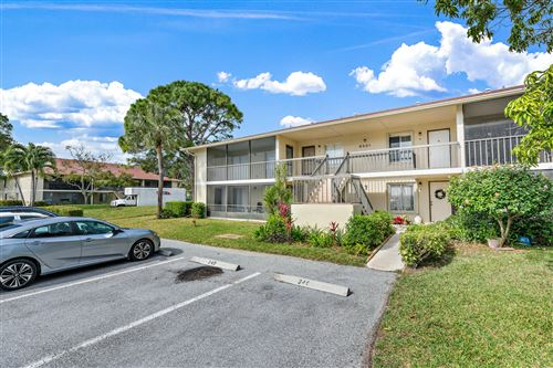 Photo of 6551 Chasewood Drive #G, Jupiter, FL 33458 (MLS # RX-10683748)