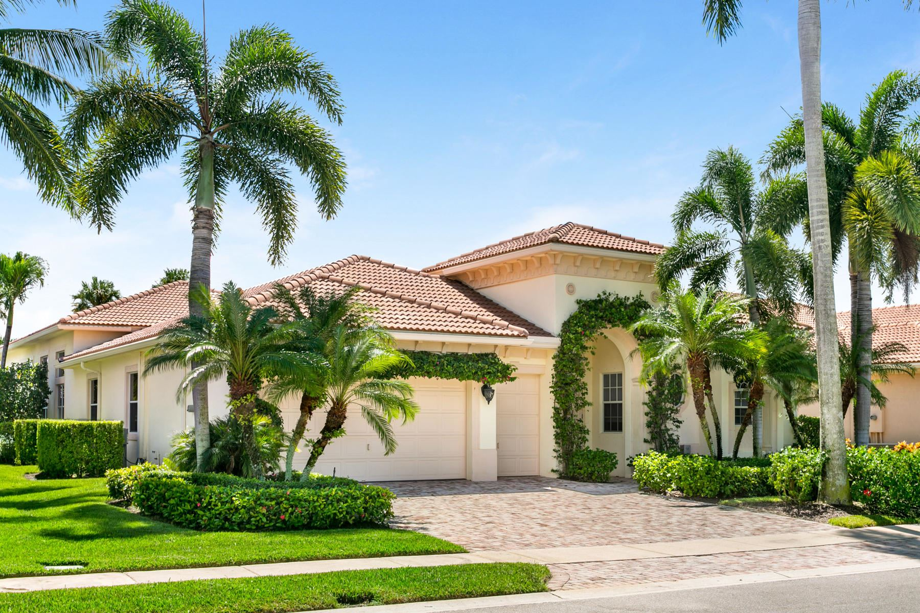 Photo of 530 Les Jardin Drive, Palm Beach Gardens, FL 33410 (MLS # RX-10687748)