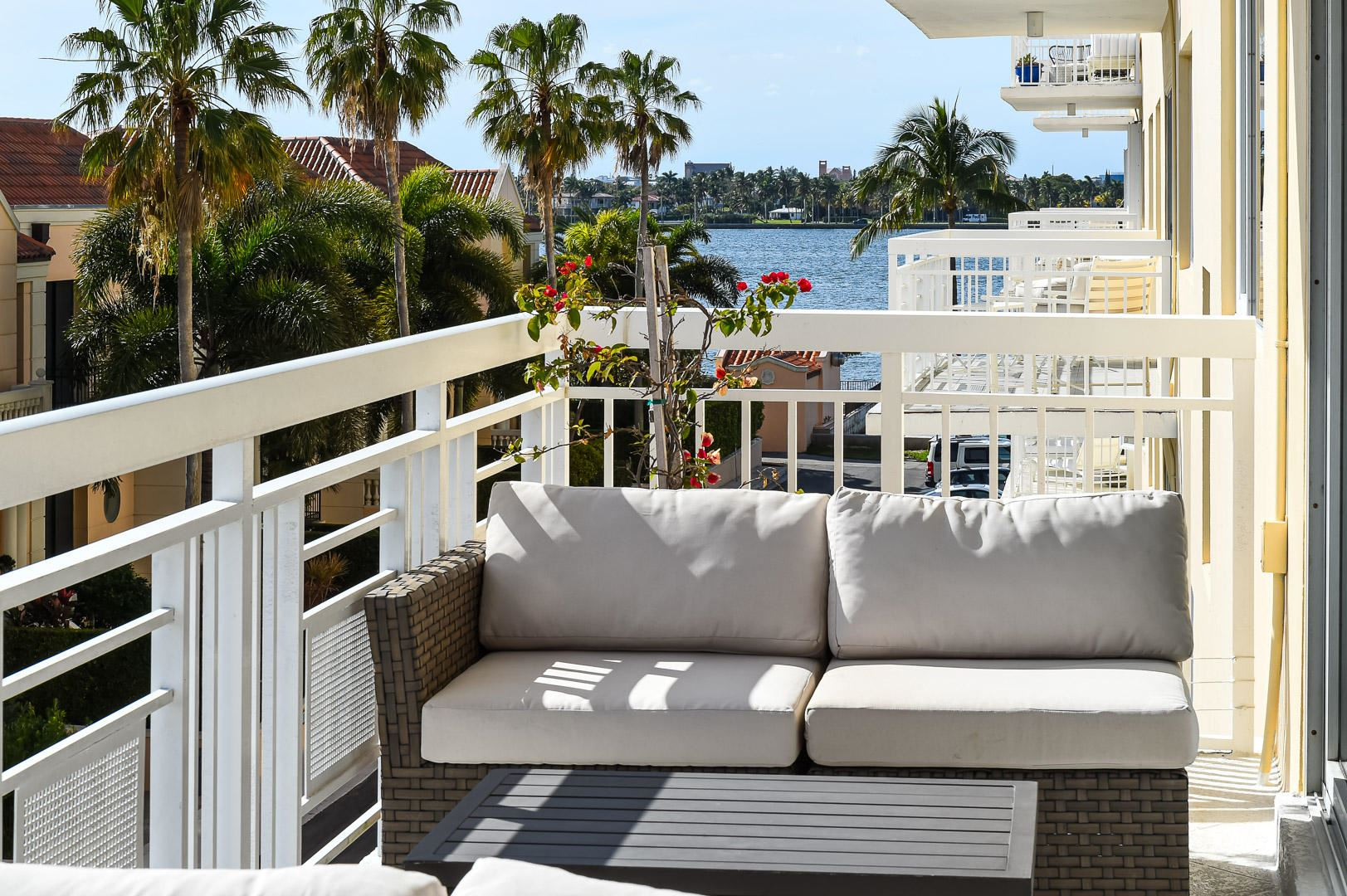 250 Bradley 402 Place #402, Palm Beach, FL 33480 - #: RX-10685752