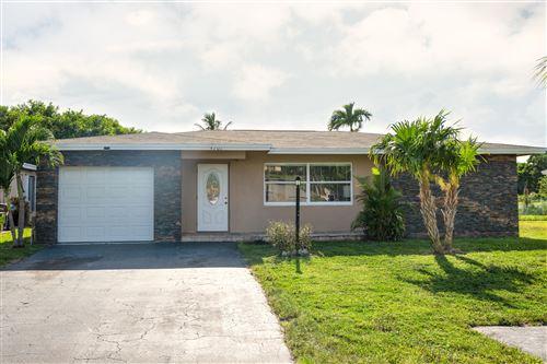 Photo of 4701 NW 13th Avenue, Deerfield Beach, FL 33064 (MLS # RX-10630756)
