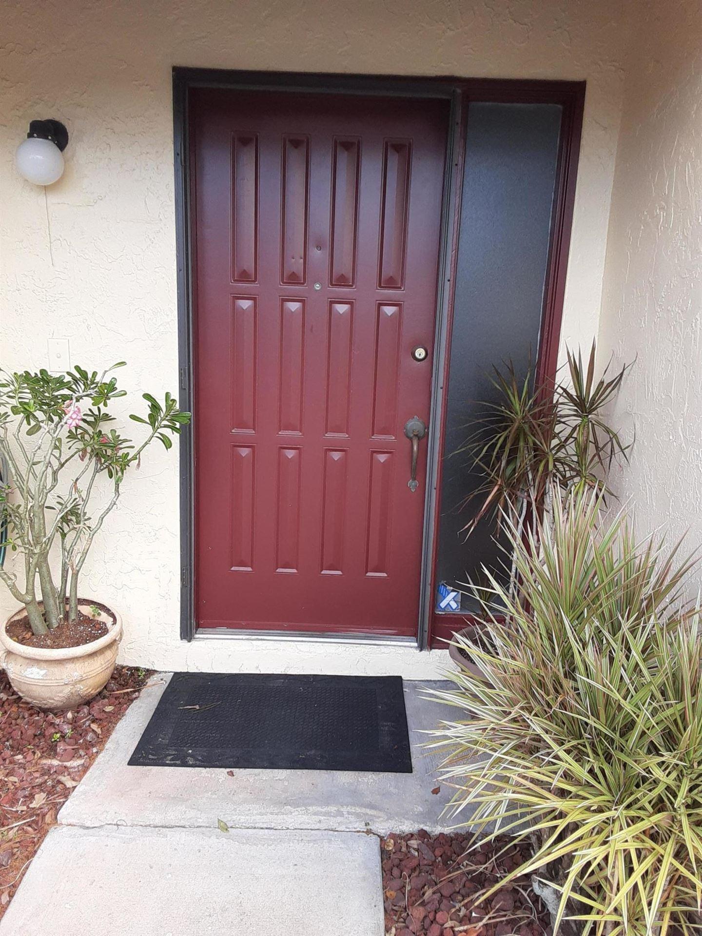 74 Macadamia Court, Royal Palm Beach, FL 33411 - #: RX-10603759