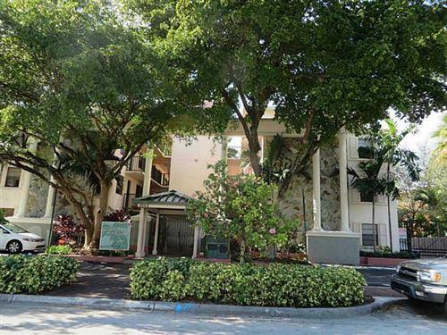 Foto de inmueble con direccion 3242 Mary Street #S315 Miami FL 33133 con MLS RX-10649761