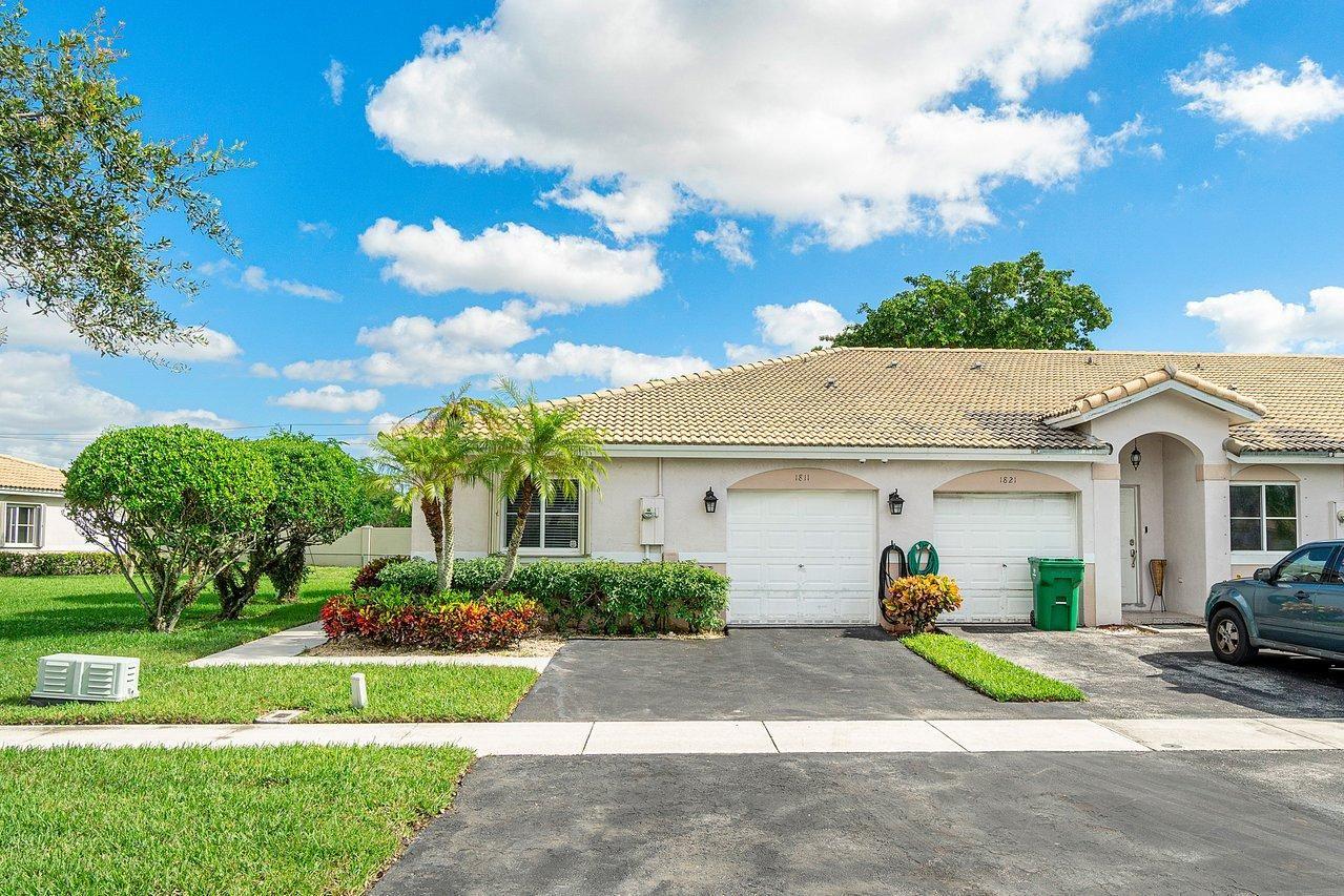 Photo of 1811 SW 112th Terrace, Miramar, FL 33025 (MLS # RX-10672763)