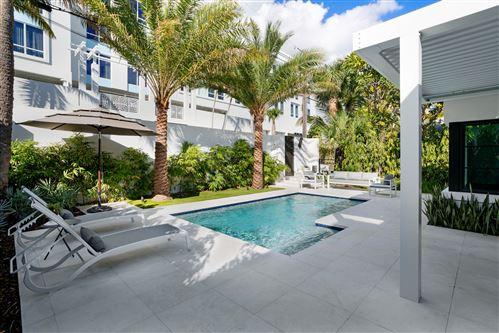 Photo of 126 SE 7th Avenue, Delray Beach, FL 33483 (MLS # RX-10592766)