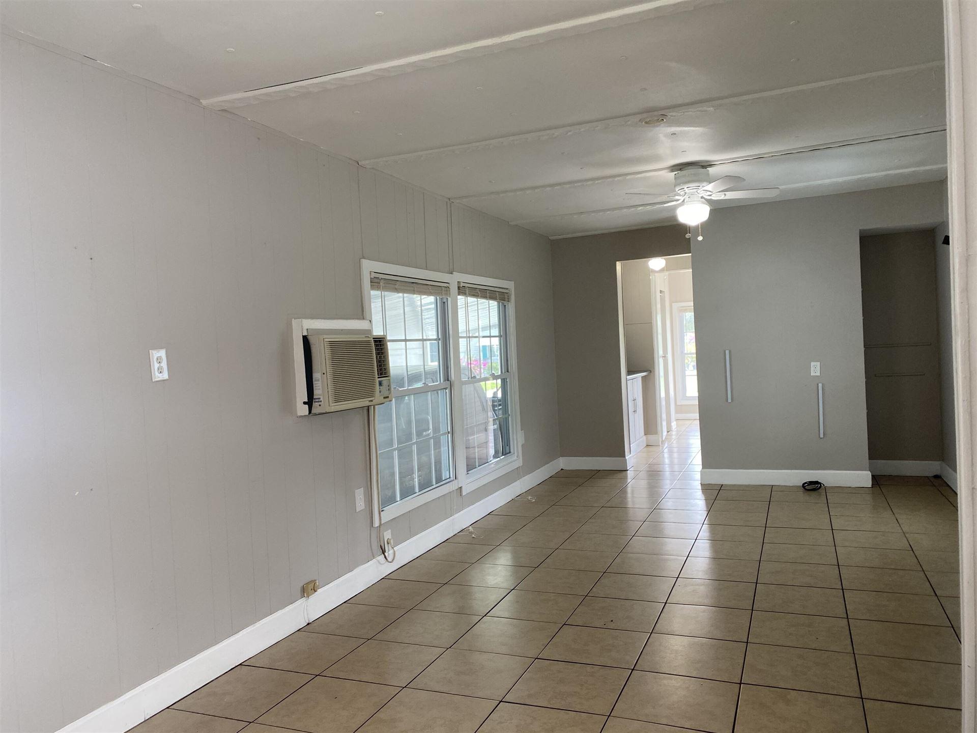 Photo of 7898 SE Swan Avenue, Hobe Sound, FL 33455 (MLS # RX-10746766)