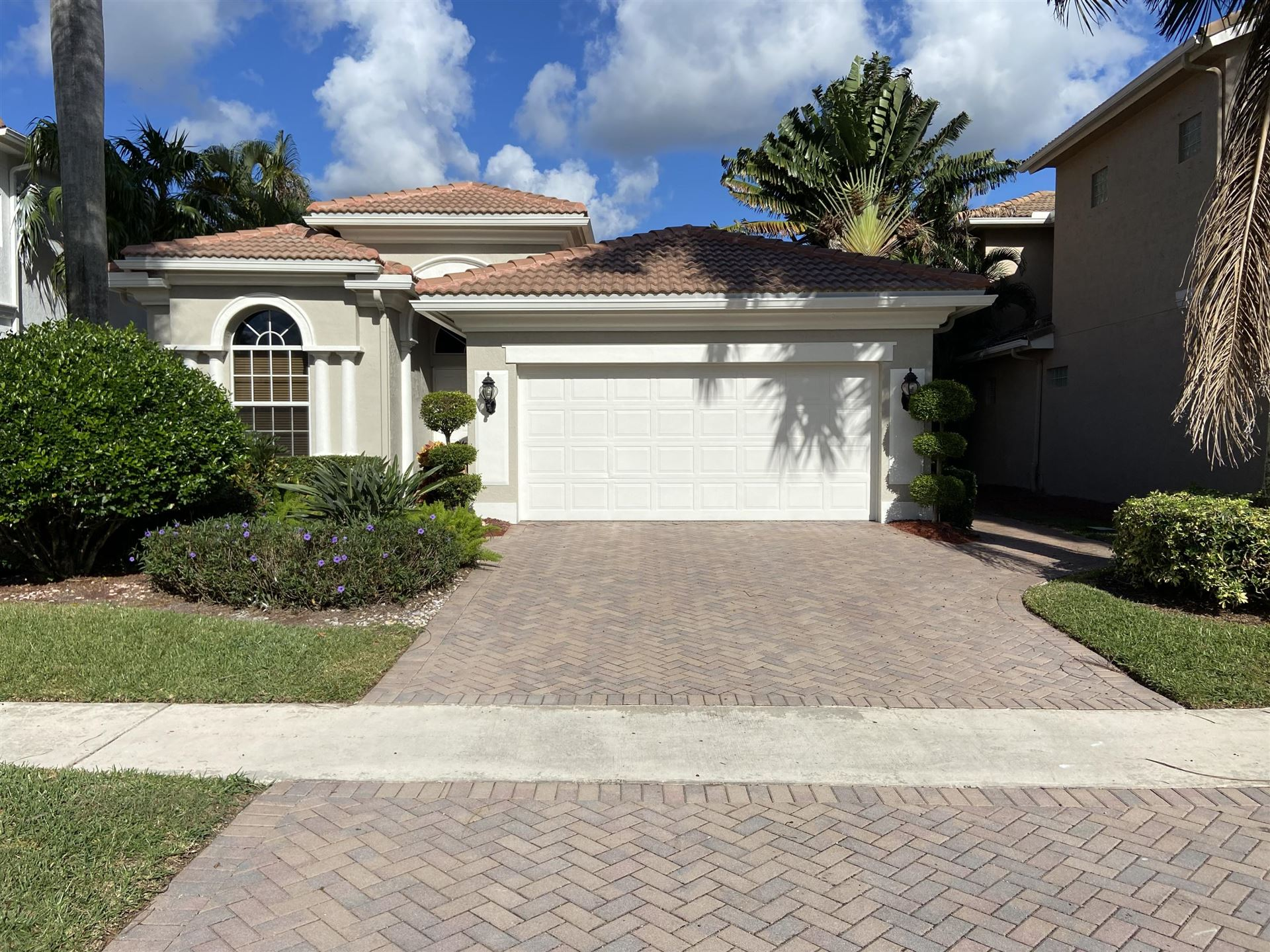 Photo of 8101 Valhalla Drive, Delray Beach, FL 33446 (MLS # RX-10675775)