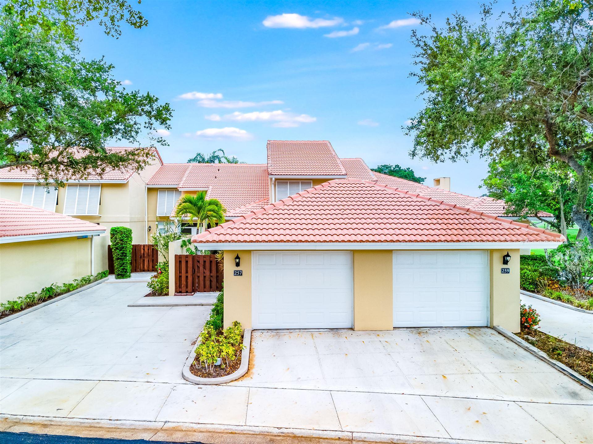 257 Old Meadow Way, Palm Beach Gardens, FL 33418 - #: RX-10725775