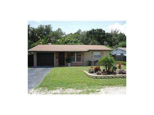 Photo of 1550 SW 30 Street, Fort Lauderdale, FL 33315 (MLS # RX-10714778)