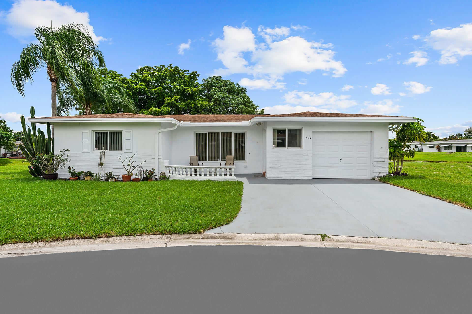 Photo of 1095 NW 72nd Terrace, Margate, FL 33063 (MLS # RX-10732780)