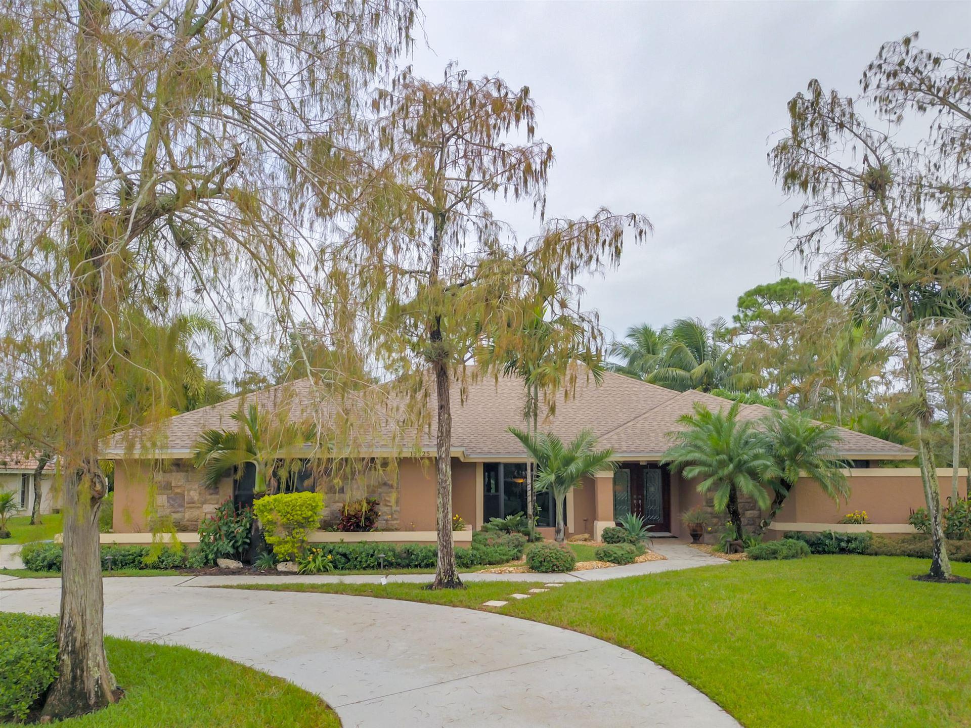15225 Meadow Wood Drive, Wellington, FL 33414 - #: RX-10671781