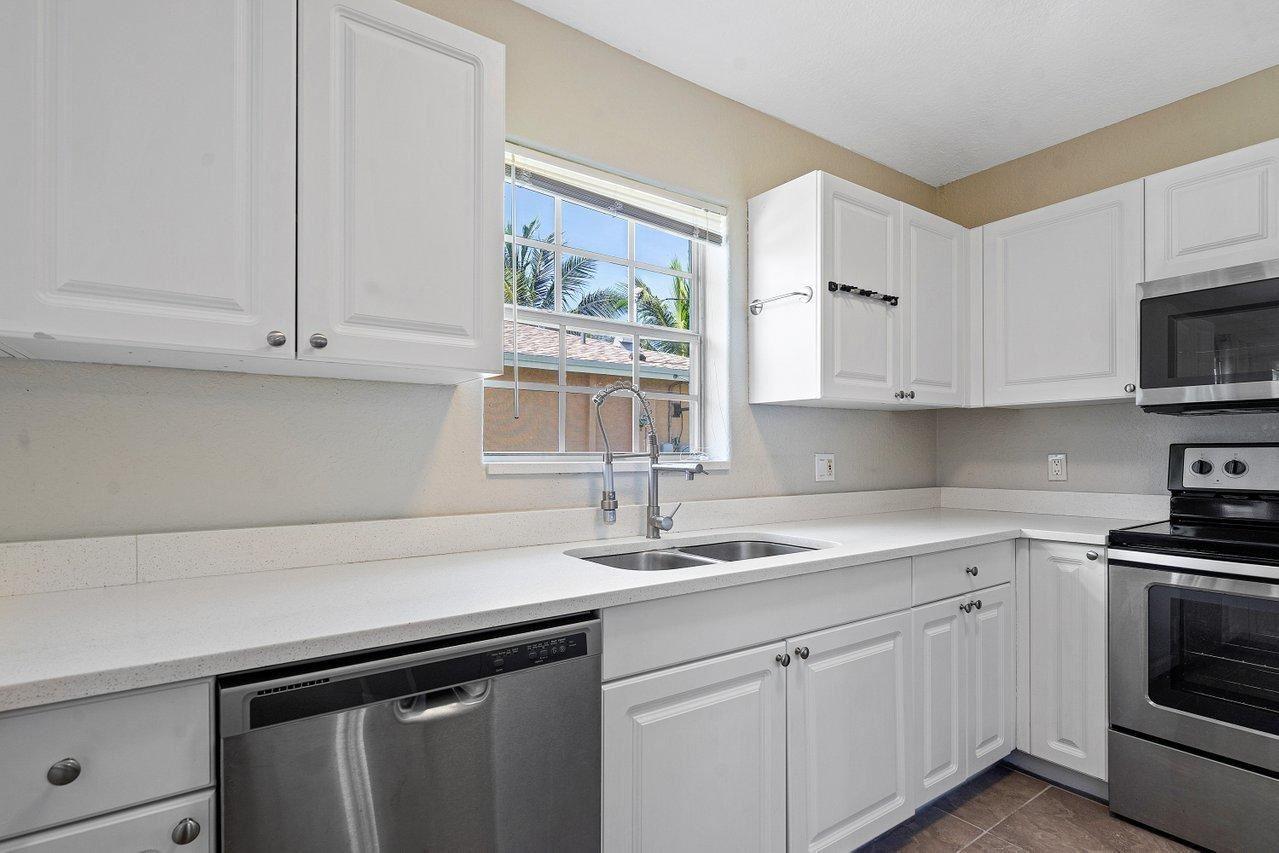 102 SW 13th Avenue, Delray Beach, FL 33444 - MLS#: RX-10728782
