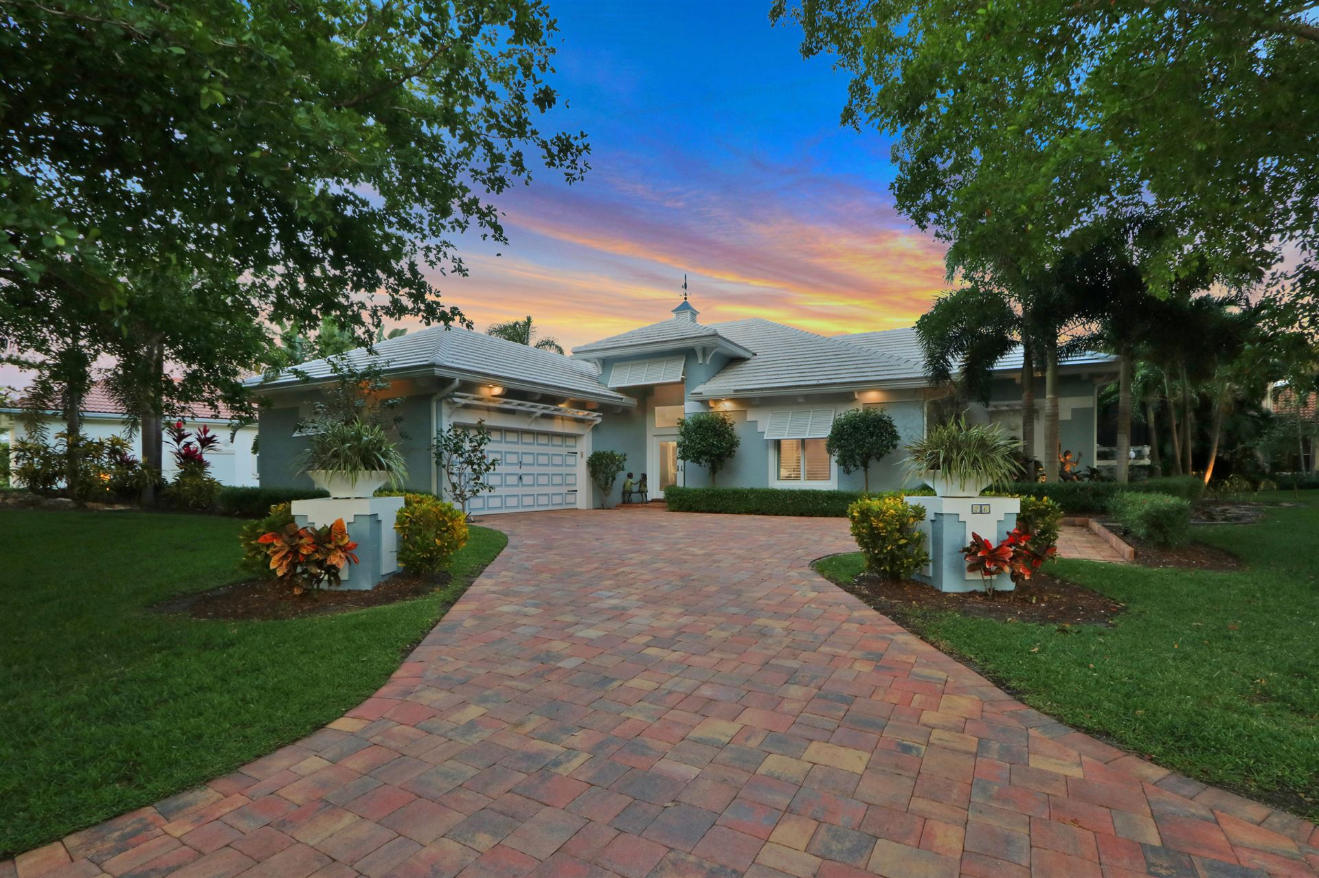 Photo of 26 Cayman Place, Palm Beach Gardens, FL 33418 (MLS # RX-10713783)