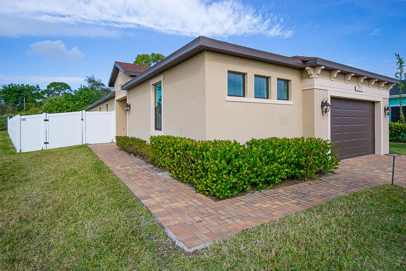 177 SE Via Visconti, Port Saint Lucie, FL 34952 - #: RX-10685785