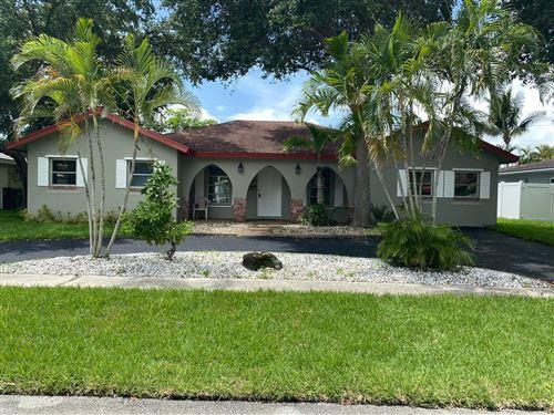 Photo of 970 SW 5th Street, Boca Raton, FL 33486 (MLS # RX-10640786)