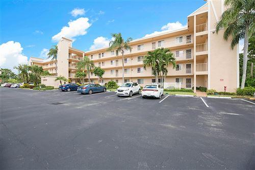 Photo of 6935 Huntington Lane #305, Delray Beach, FL 33446 (MLS # RX-10673787)