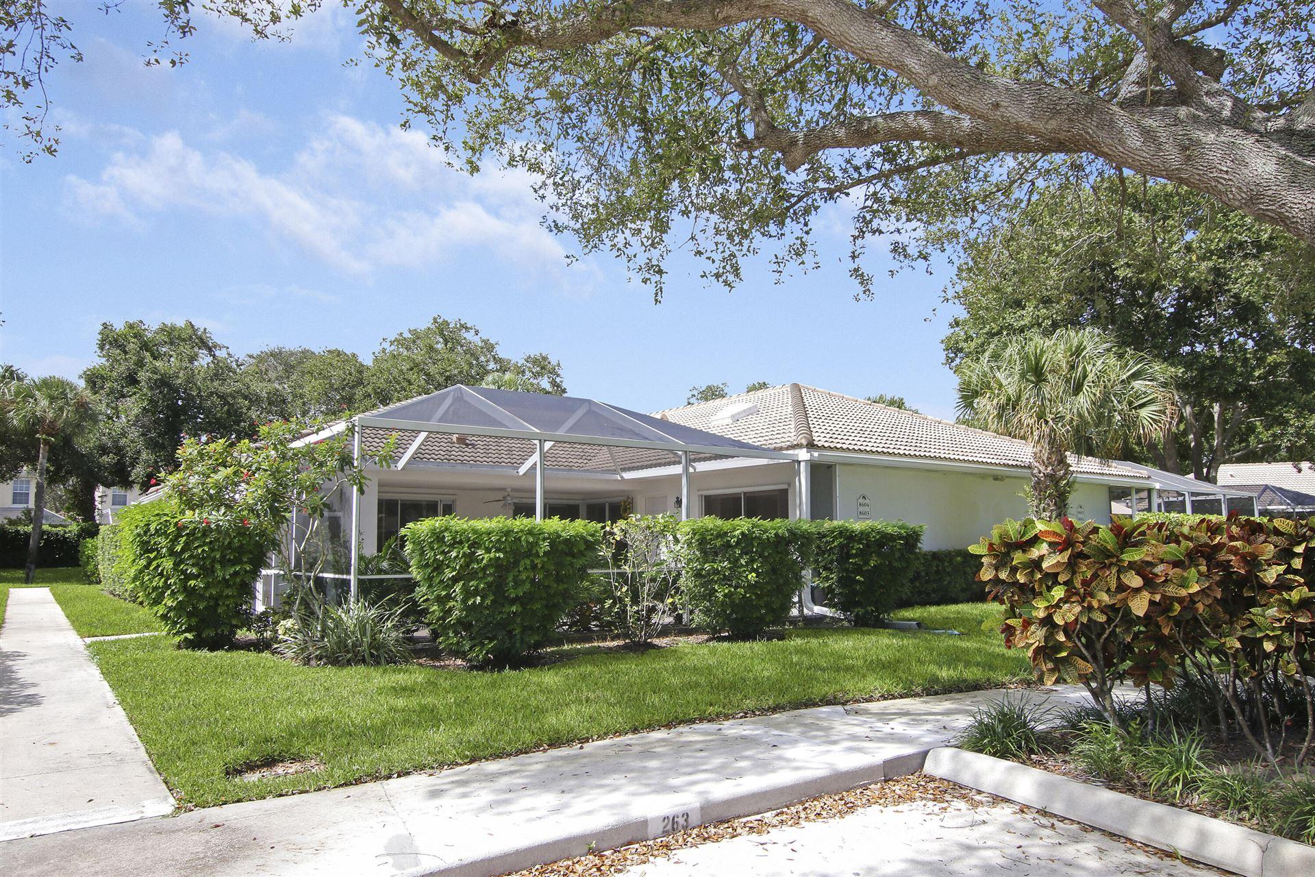 Photo for 8603 Chapman Oak Court, Palm Beach Gardens, FL 33410 (MLS # RX-10751789)