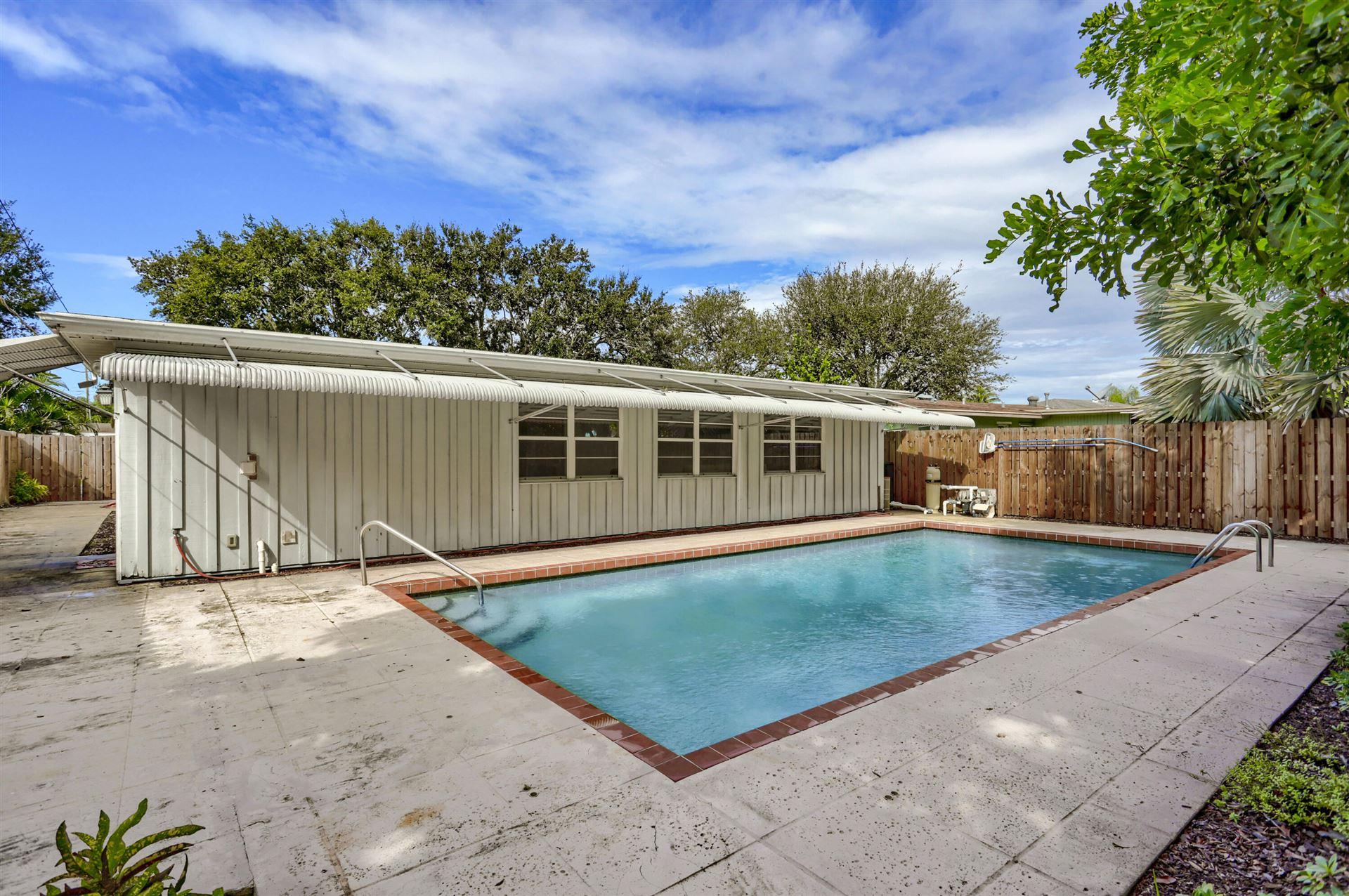 Photo for 526 Ivy Avenue, Palm Beach Gardens, FL 33410 (MLS # RX-10751790)
