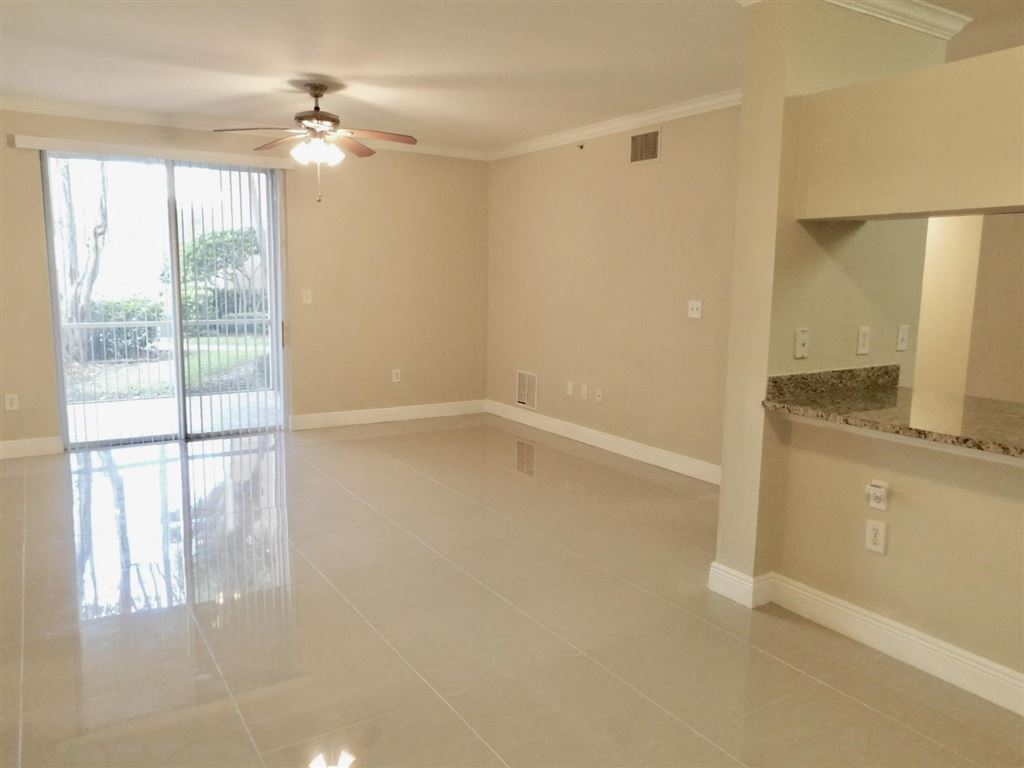 Photo 3 of Listing MLS rx-10555790 in 6511 Emerald Dunes Drive #108 West Palm Beach FL 33411