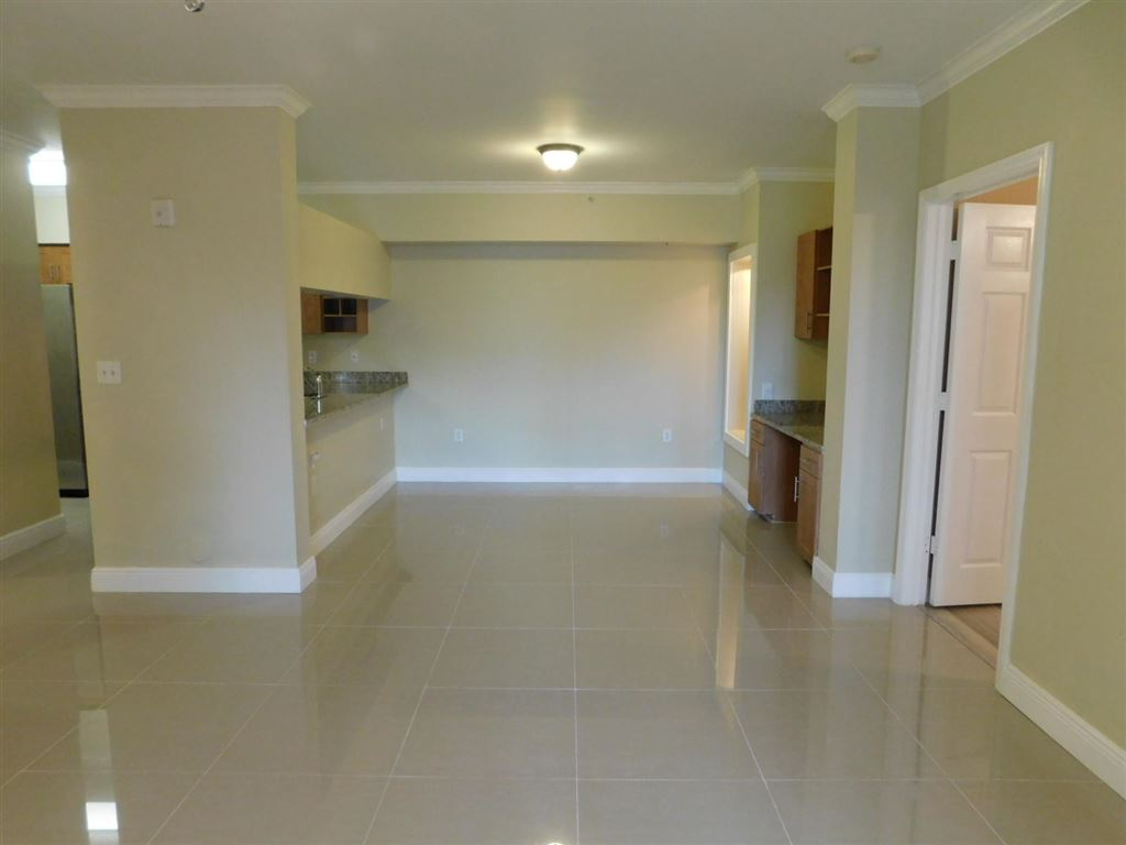 Photo 4 of Listing MLS rx-10555790 in 6511 Emerald Dunes Drive #108 West Palm Beach FL 33411
