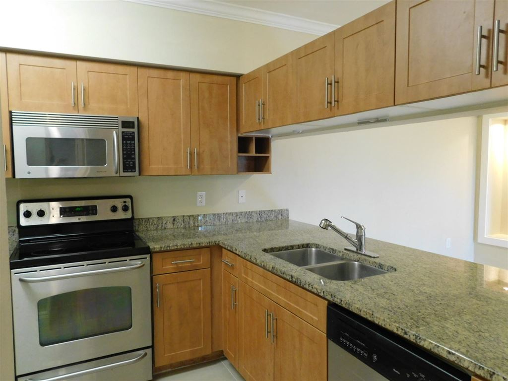 Photo 8 of Listing MLS rx-10555790 in 6511 Emerald Dunes Drive #108 West Palm Beach FL 33411