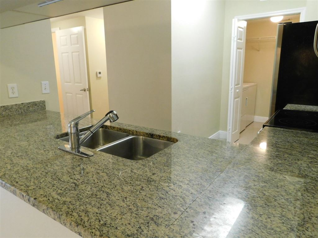 Photo 11 of Listing MLS rx-10555790 in 6511 Emerald Dunes Drive #108 West Palm Beach FL 33411