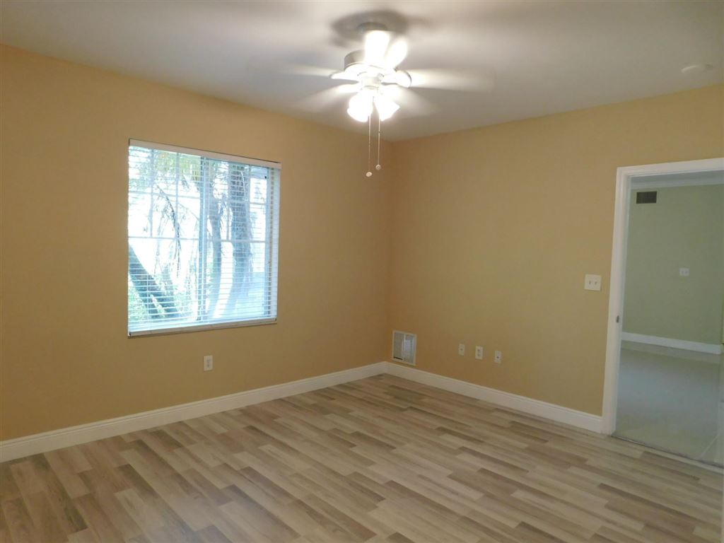 Photo 14 of Listing MLS rx-10555790 in 6511 Emerald Dunes Drive #108 West Palm Beach FL 33411
