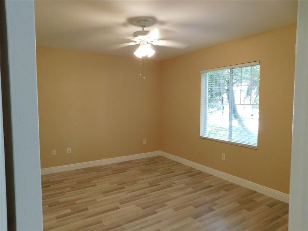 Photo 15 of Listing MLS rx-10555790 in 6511 Emerald Dunes Drive #108 West Palm Beach FL 33411
