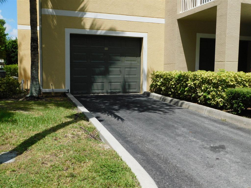 Photo 32 of Listing MLS rx-10555790 in 6511 Emerald Dunes Drive #108 West Palm Beach FL 33411