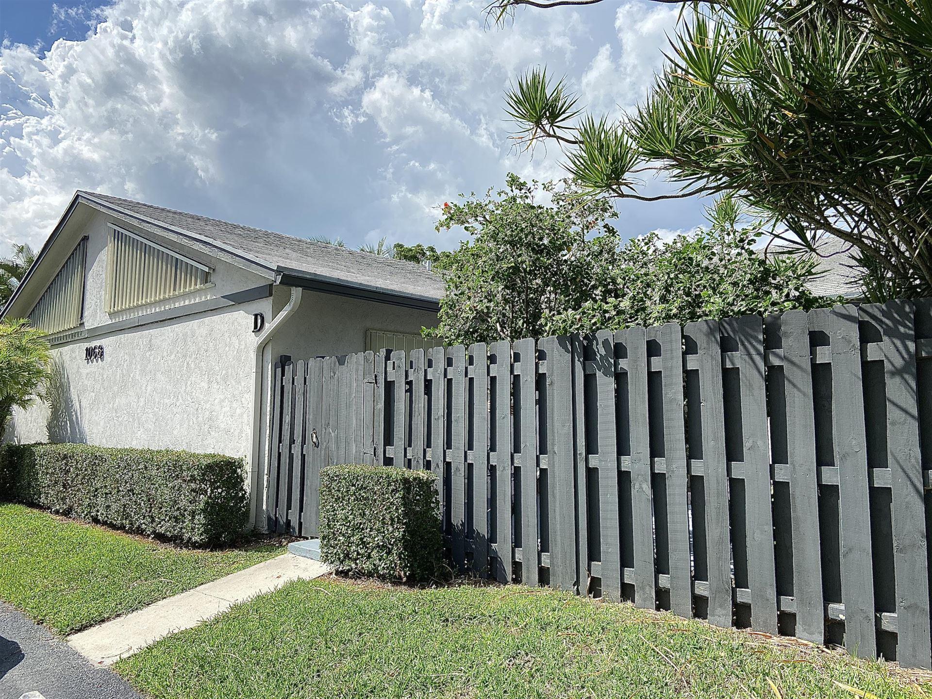 Photo of 1068 Summit Trail Circle #D, West Palm Beach, FL 33415 (MLS # RX-10656793)