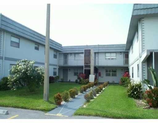 237 Flanders E, Delray Beach, FL 33484 - #: RX-10704798