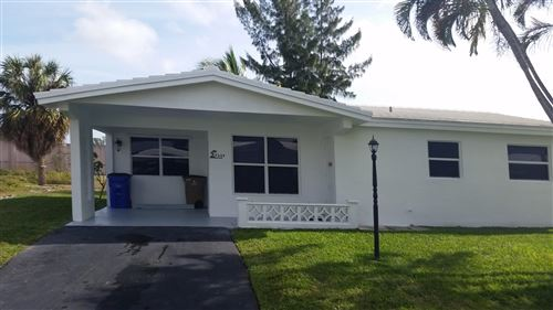 Foto de inmueble con direccion 4284 NW 1st Terrace Deerfield Beach FL 33442 con MLS RX-10566803