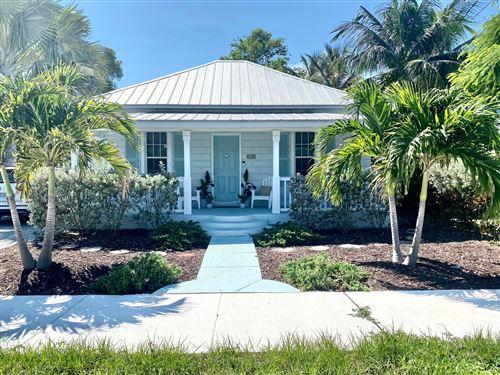 Photo of 310 SE 4th Avenue, Delray Beach, FL 33483 (MLS # RX-10746803)