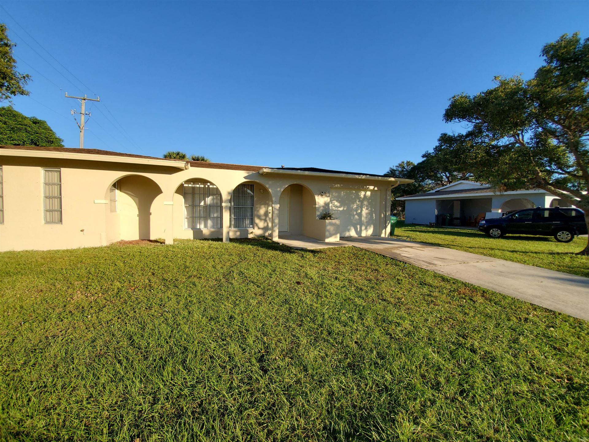 153 NE Airoso Boulevard, Port Saint Lucie, FL 34986 - #: RX-10685804