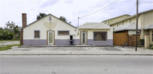 Photo of 905 N 13th Street, Fort Pierce, FL 34950 (MLS # RX-10490807)