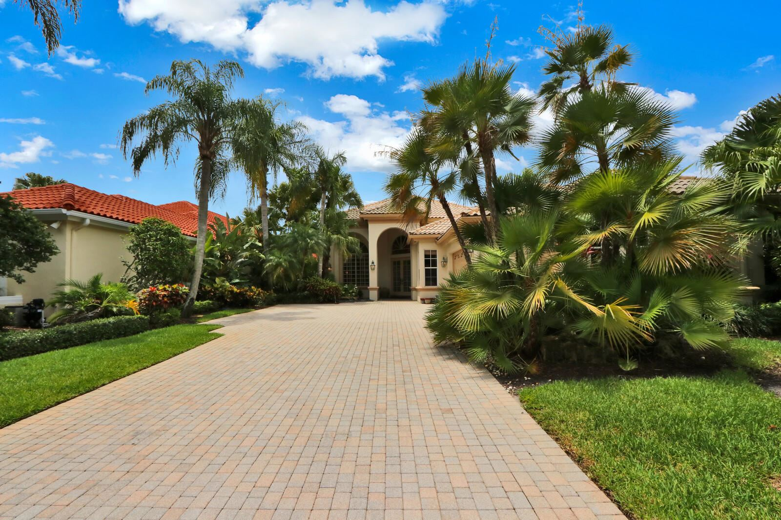 Photo of 3338 W Degas Drive, Palm Beach Gardens, FL 33410 (MLS # RX-10624807)