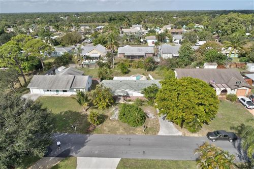 Photo of 6521 SE Clairmont Place, Hobe Sound, FL 33455 (MLS # RX-10584808)