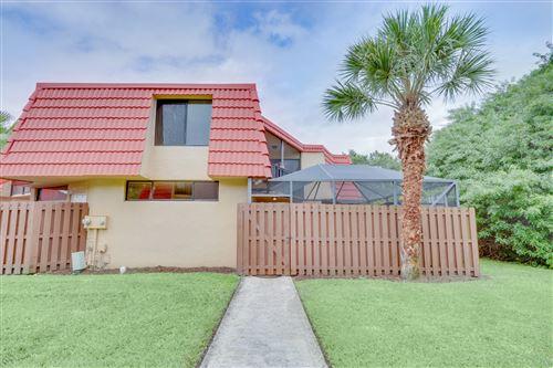 Photo of 22946 Oxford Place #C, Boca Raton, FL 33433 (MLS # RX-10666811)