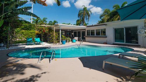 Photo of 800 NE 73rd Street, Boca Raton, FL 33487 (MLS # RX-10638814)