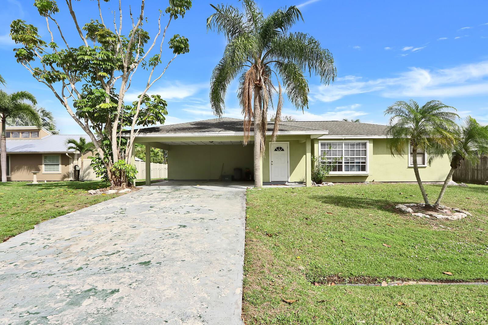 631 SE Crescent Avenue, Port Saint Lucie, FL 34984 - #: RX-10689814