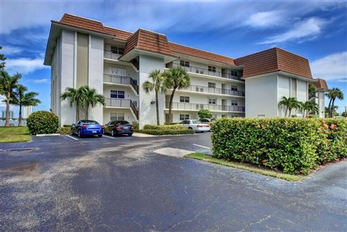 Foto de inmueble con direccion 2936 Lake Shore Drive #306 Riviera Beach FL 33404 con MLS RX-10639815